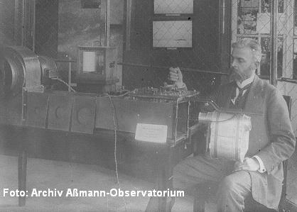 Ausschnitt Bild FPA2-1: Vorrichtung zur Eichung von Anemometern mit O. Tetens um 1911